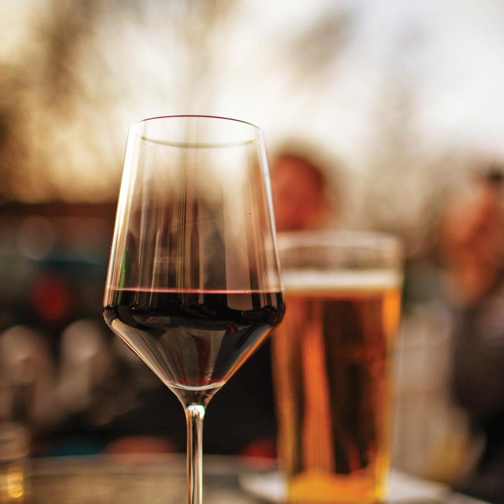 Enjoy local wine and beer at Longlands