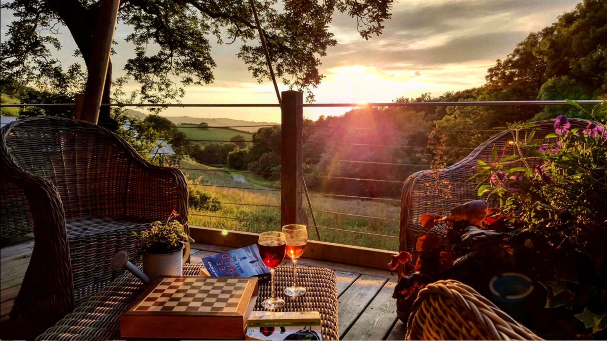 Glamping for Couples; Watch the sun set on the sea and other romantic moments when you come glamping at Longlands